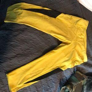 Hott pair of virus workout pants!!